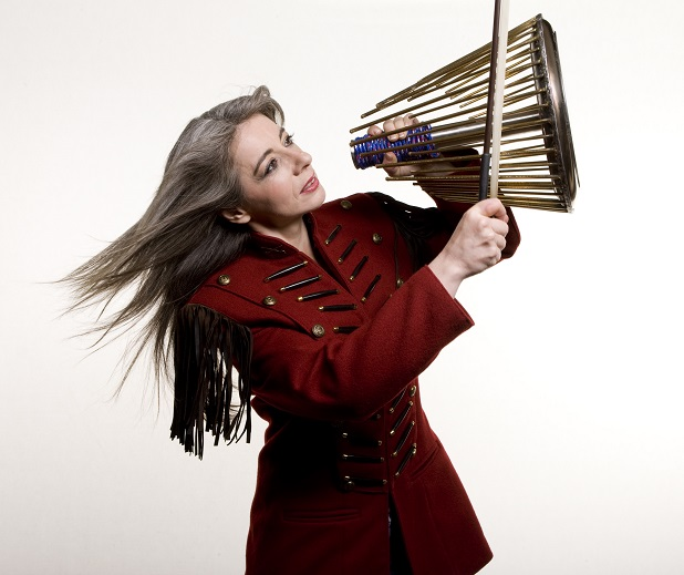 evelyn glennie Evelyn is the first person in musical history to successfully create and sustain a full-time career as a solo percussionist as one of the most eclectic and innovative musicians on the scene today she is constantly redefining the goals and expectations of percussion.